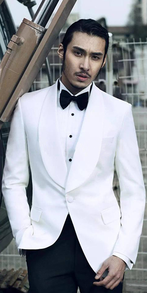 White banquet wool Shoal lapel custom suit for men